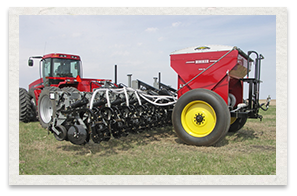 Hiniker 6000 Strip Till Equipment